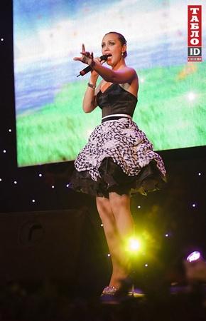 На концерте выступила певица-мама Евгения Власова