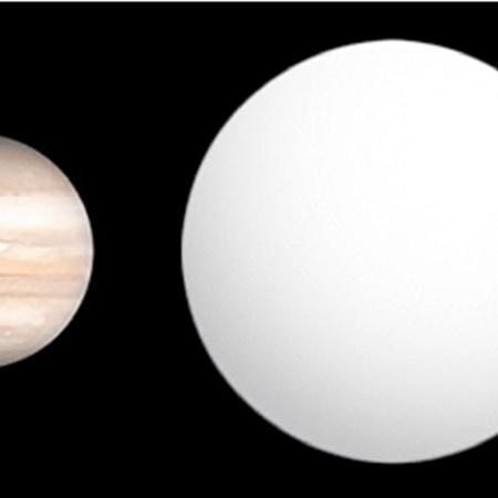 Сравнение размеров WASP-12b с Юпитером. Фото ru.wikipedia.org.