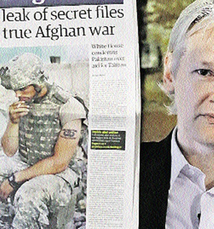 «Отец» шпионского сайта поставил на уши весь мир!
