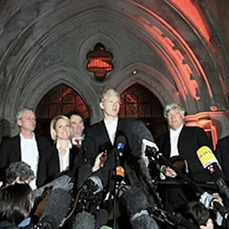Ассанжа выпустили под залог. Фото АП.