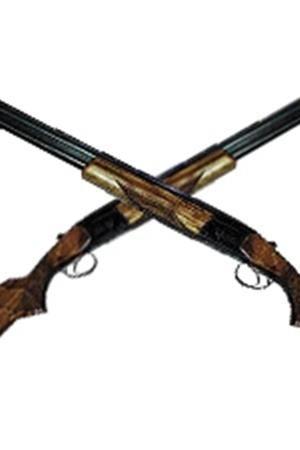 Мужчины стрелялись из охотничьих ружей.