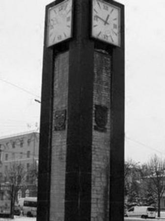 К пятнице часы починят