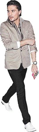 Дима Билан знает толк в блейзерах и джинсах.