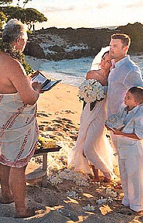 О свадьбе Меган Фокс мир узнал из ее Facebook.