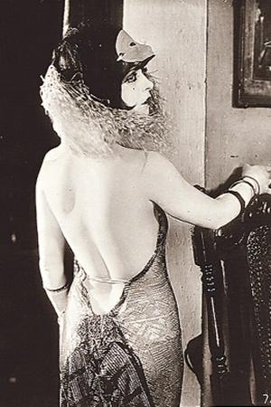Клара Боу Гордон - американская актриса, секс-символ немого кино эпохи 1920-х гг.