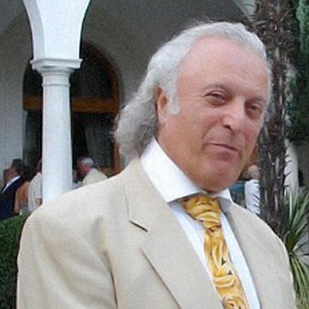 Илья Резник уверен, что его домашние питомцы помогают снимать стрессы. Фото с официального сайта поэта.