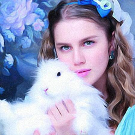 Дарья Мельникова находит общий язык не только с любимой кошкой Доллари. Фото kinopoisk.ru.