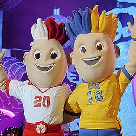 В июне останется ровно год до того момента, как Славек и Славко начнут встречать в Украине участников и гостей Евро-2012.