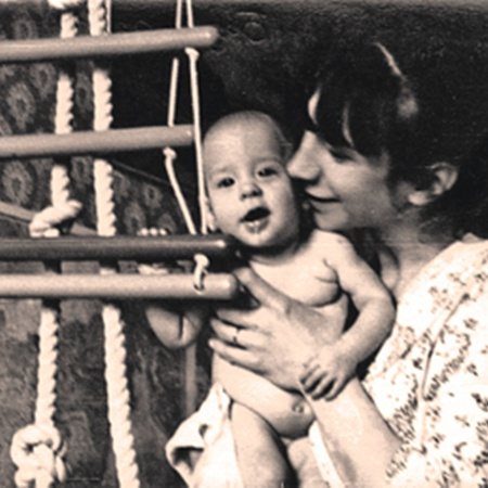 Маленький Ваня со своей мамой, актрисой Валерией Киселевой