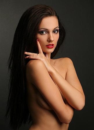 «Топ-модель мира» Ксения Ламбэр, 24 года, 86-59-90, рост 173 см.