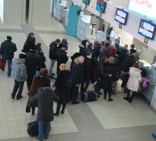 Аэропорт Сургута сейчас работает в обычном режиме фото Наталья ЛУКИНЫХ