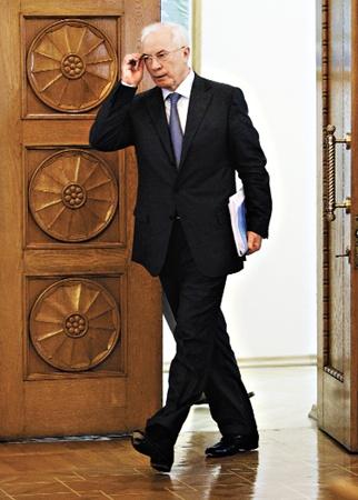 В будущем году министры будут уходить и приходить. Константой правительства останется лишь  Николай Азаров.