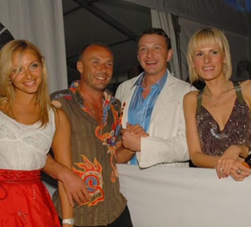 Когда-то Навка - Жулин и Башаров с супругой Лизой дружили семьями. Но ледовый проект все перемешал.
