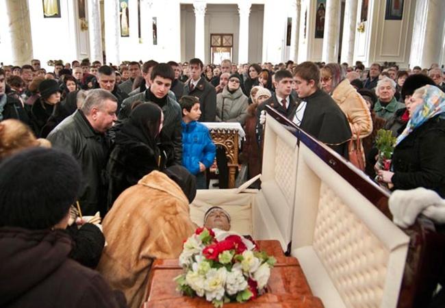 Сегодня состоялись похороны известного политика и бизнесмена.