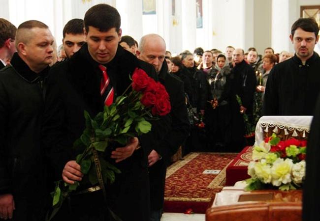 Стрельба произошла у дома Коробчинского, когда тот выходил из автомобиля.
