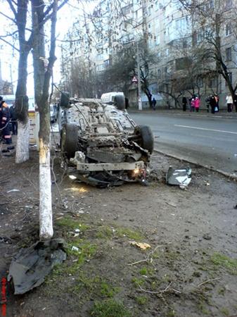 Авария произошла в воскресенье около двух часов дня на улице Лермонтова