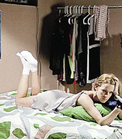 В сериале «Школа» Ребенок была такой соблазнительной учительницей физики. А в свободное от съемок время актриса Театра.doc - белая и пушистая.