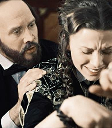 В новом сериале Евгений Миронов сыграет Достоевского, а его жену - Чулпан Хаматова.