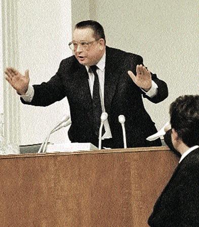 Премьер-министр СССР Валентин Павлов опоздал с реформой года на четыре!