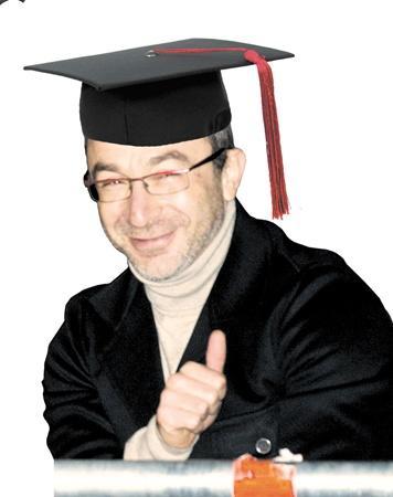 Мэр отучился в Юракадемии и экономическом университете. Коллаж Светланы СУНКО.