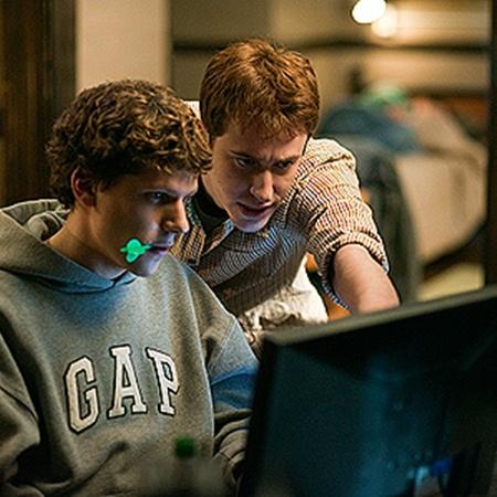 Бешеный успех фильма «Социальная сеть» в очередной раз подтвердил популярность своих интернет-прототипов.