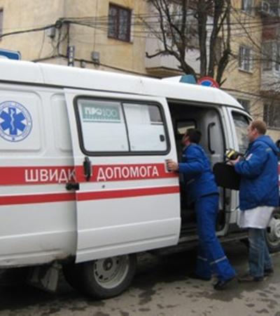Во время заседания Гриценко стало плохо и к зданию суда подъехали две скорых. Фото Антонины Туровской