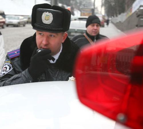 За несколько часов бывшая «Кобра» выписала десяток протоколов за нарушения и незаконную установку спецсигналов.