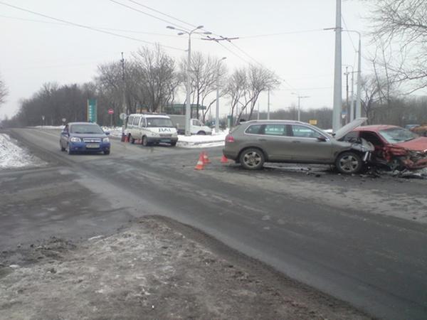 Российский водитель в Донецке устроил ДТП с пострадавшими. Фото: центр пропаганды ГАИ Донецка.