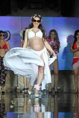 Счастлива, потому что беременна. «Невестой года в Украине-2010» стала киевлянка Наталья Рокитская.