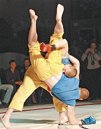 Фри-файт возник в результате объединения опыта многих боевых искусств.