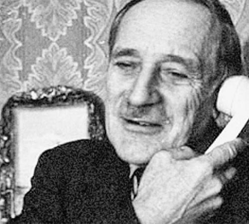 Сафонов только по голосу в телефонной трубке мог рассказать о человеке очень много...