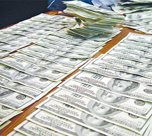 За 2010 год украинцы надавали взяток на 1,5 миллиарда долларов.
