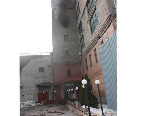 Сегодня в Донецке случился пожар в здании пивного завода «Сармат»