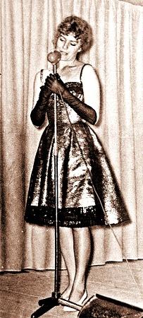 Начало 60-х. На сцене самодеятельного театра «Каламбур».