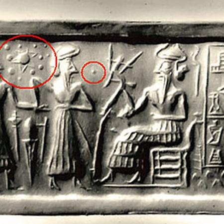Некоторые исследователи находят изображения Нибиру (или Тюхе) на древних табличкам, авторство которых приписывают шумерам и египтянам.