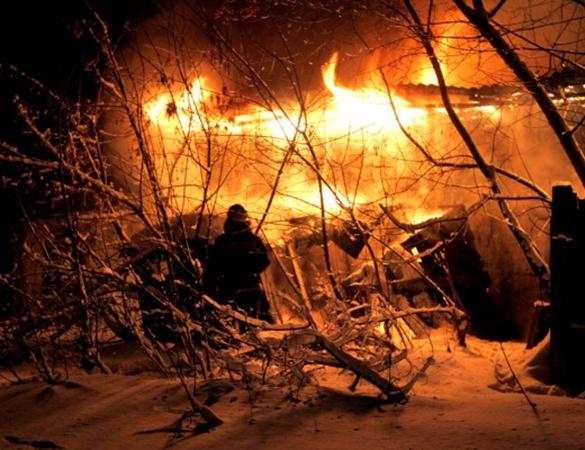 В день всех влюбленных в центре Донецка бушевал пожар. Фото: www.62.ua.