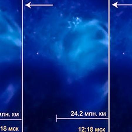 Выброс плазмы из области вспышки X2.3 от 15 февраля. Стрелкой показано направление распространения выброса от Солнца к Земле. Фото с сайта tesis.lebedev.ru.