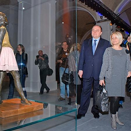 Посмотреть на «Маленькую танцовщицу» пришли глава Минкульта Михаил Кулиняка и замглавы Администрации президента Анна Герман.