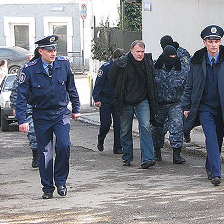 Меркулова задержали в Ялте средь бела дня.