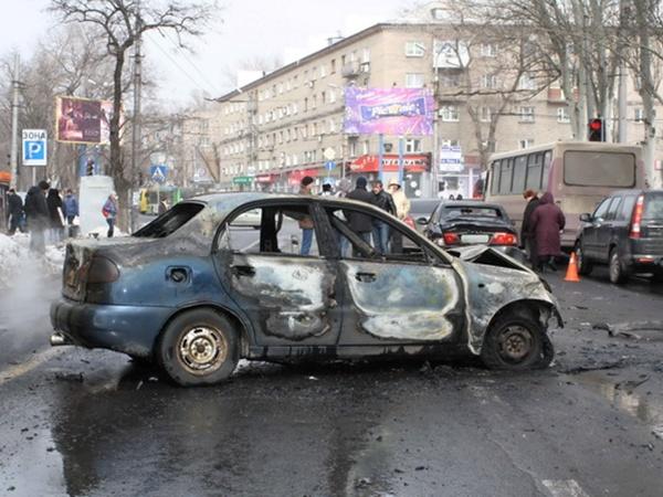 Водитель сгоревшего в центре Донецка автомобиля Lanos был пьян