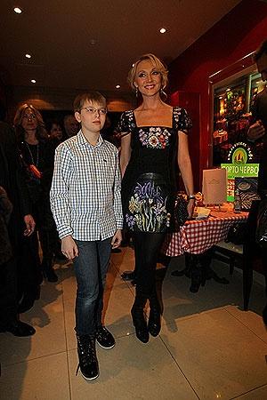 Кристина Орбакайте с сыном Дени. Фото Милы Стриж.