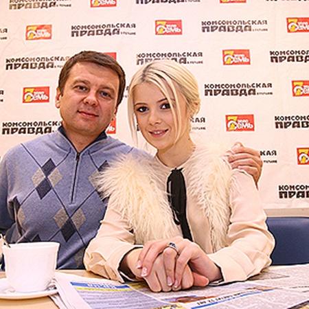 Тимофей Нагорный во всем поддерживает свою подопечную. Фото Артема ПАСТУХА.