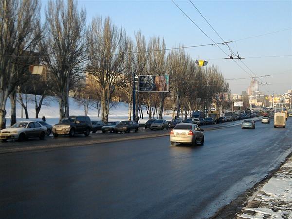 Город стоит в пробке. Фото: Юля Ткаченко.