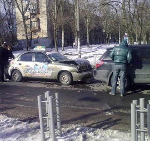 ДТП произошло возле пешеходного перехода. Фото: www.0629.com.ua.