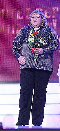 ...а Коробка хочет в подарок тюльпаны. Фото Максима ЛЮКОВА.