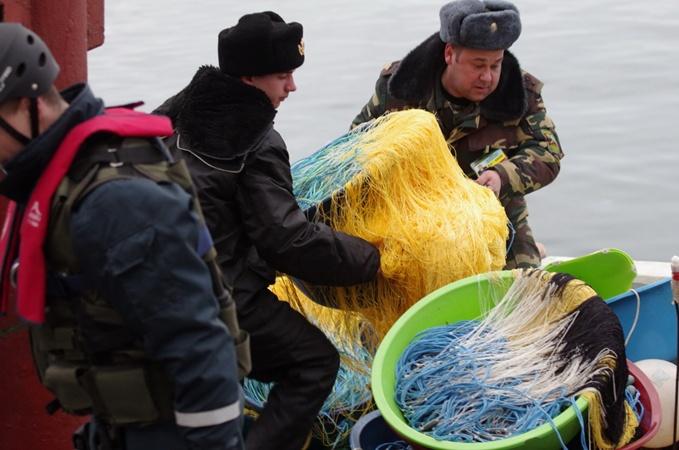 В Крыму задержали турецкую браконьерскую шхуну  фото