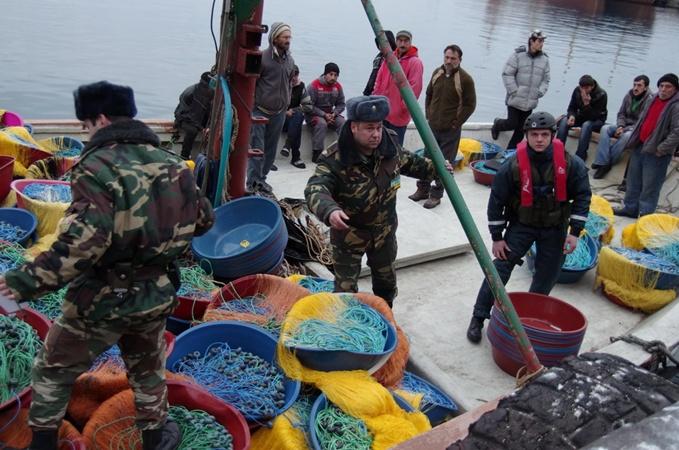 В Крыму задержали турецкую браконьерскую шхуну  фото 1