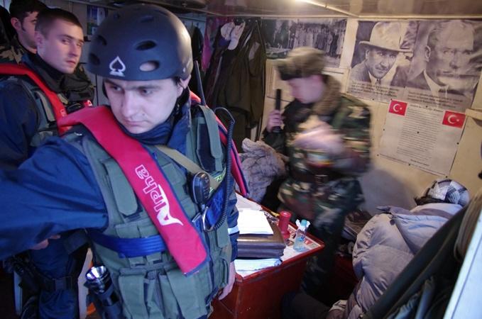 В Крыму задержали турецкую браконьерскую шхуну  фото 2