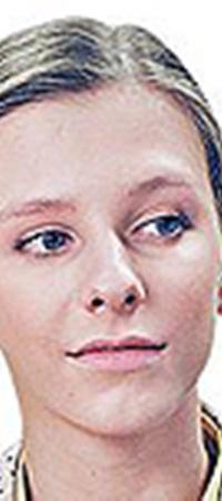 Лиза Арзамасова стала более женственной.