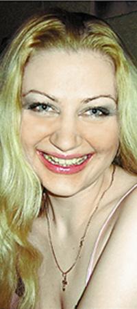 Улыбка Людмилы из Горловки способна затмить любую голливудскую звезду.